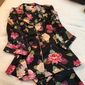 Oscar de la Renta floral satin pajama set